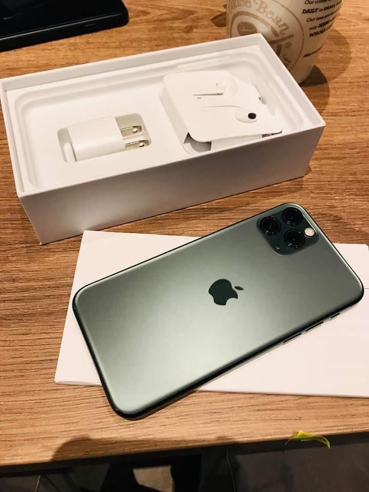 iPhone max 11
