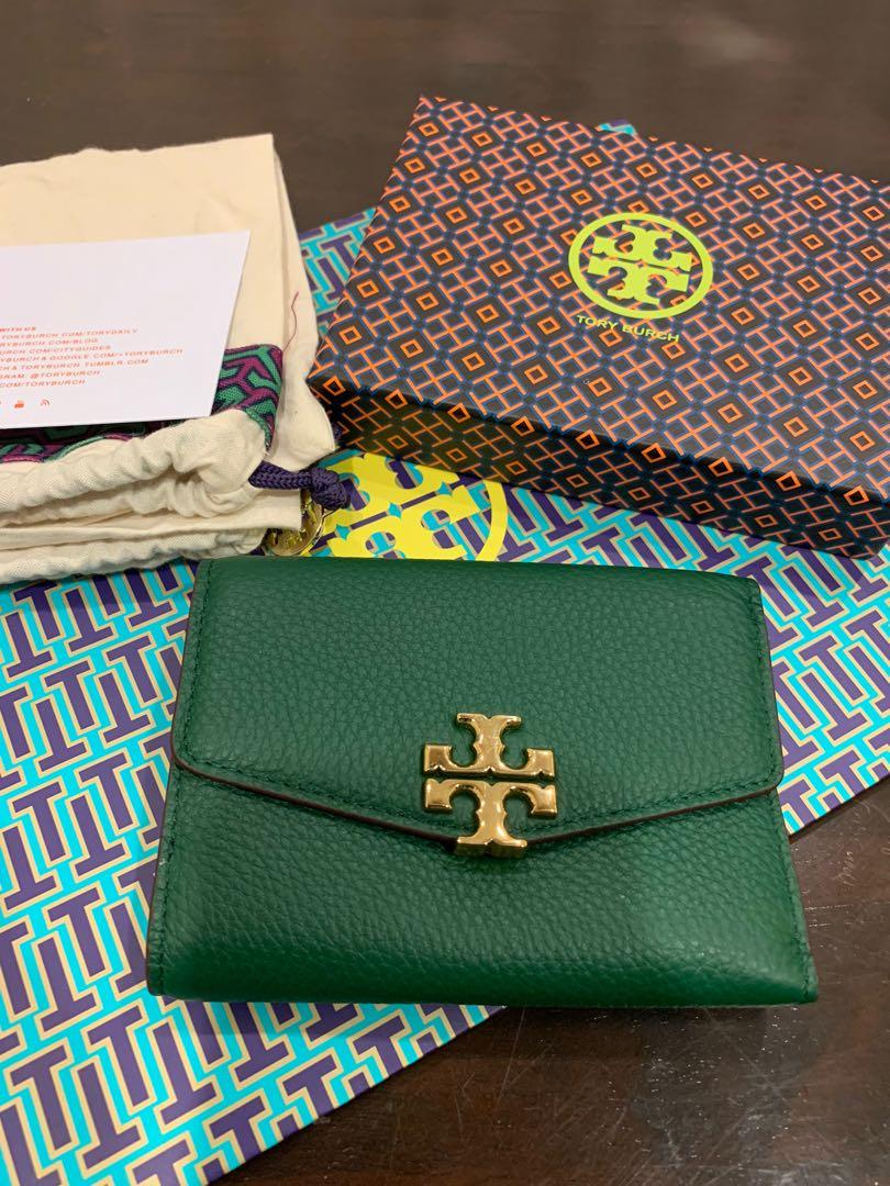 Ready Stock authentic Tory Burch Kira chevron crossgrwin leather medium wallet in black