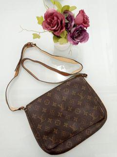 Tas Selempang / Wrislet Bag