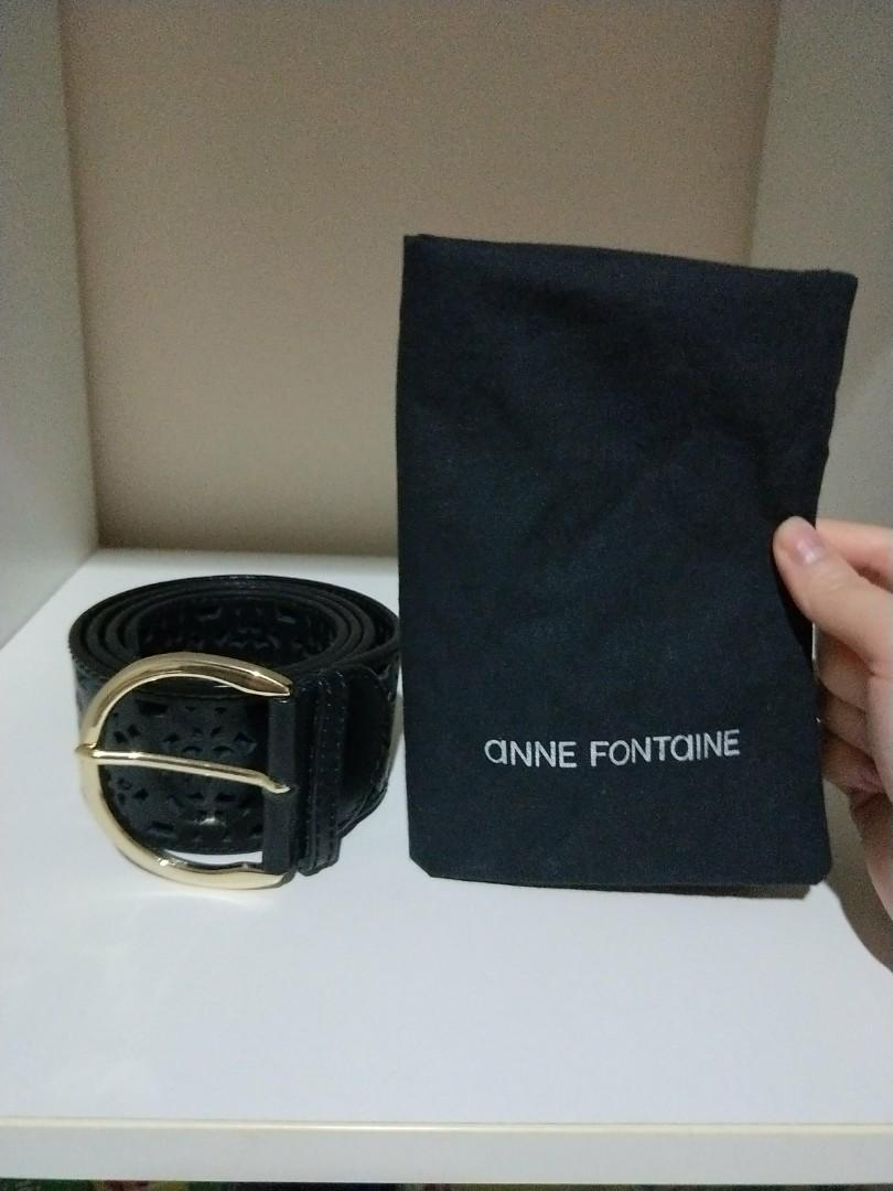100% AUTHENTIC ANNE FONTAINE BELT WITH LACE-LIKE CUT OUTS!! THERE ARE MANY HOLES TO CHOOSE TO TIGHTEN THE BELT TO YOUR LIKING, SELDOM WEAR BELT SO SELLING IT! I LOST THE BELT SLEEVE TO TUCK THE ENDS SO THE BELT WILL CURL UP, U CAN REPLACE IT WITH YOUR OWN