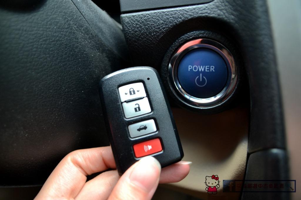 2014年Toyota Camry 油電混合 大電池已更新