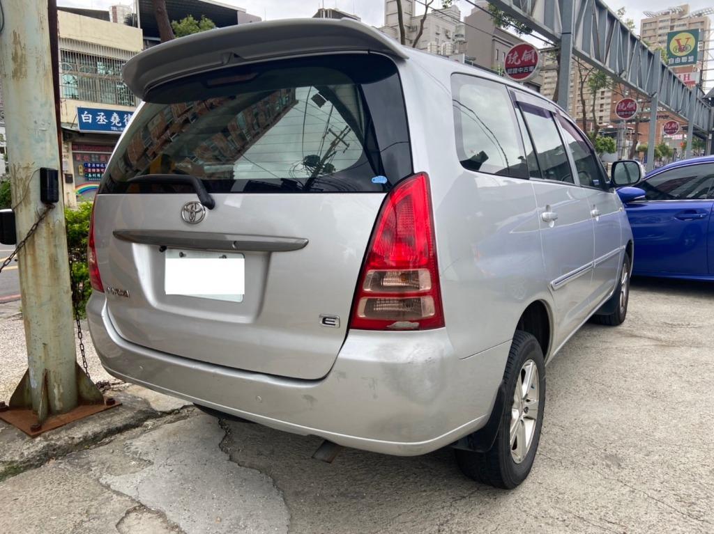 豐田 2010 銀色 INNOVA