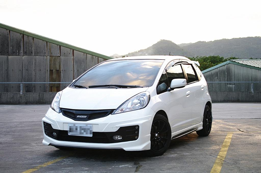 【FB搜尋桃園阿承】本田 超人氣FIT 2013年 1.5CC 白色 二手車 中古車