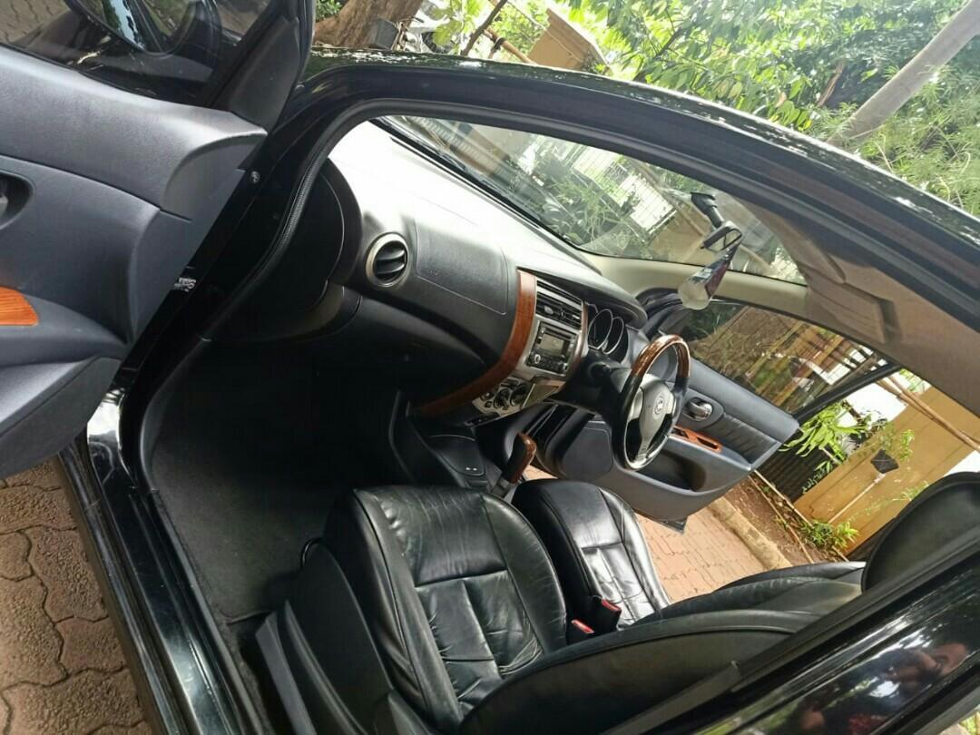 Nissan Grand Livina ultimate matic tahun 2013 warna hitam