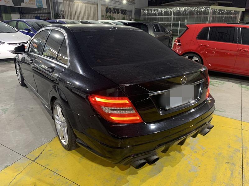 2012   c250  黑