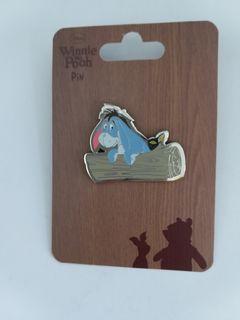 (包郵) Disney pin eeyore pins 廸士尼徽章 襟章