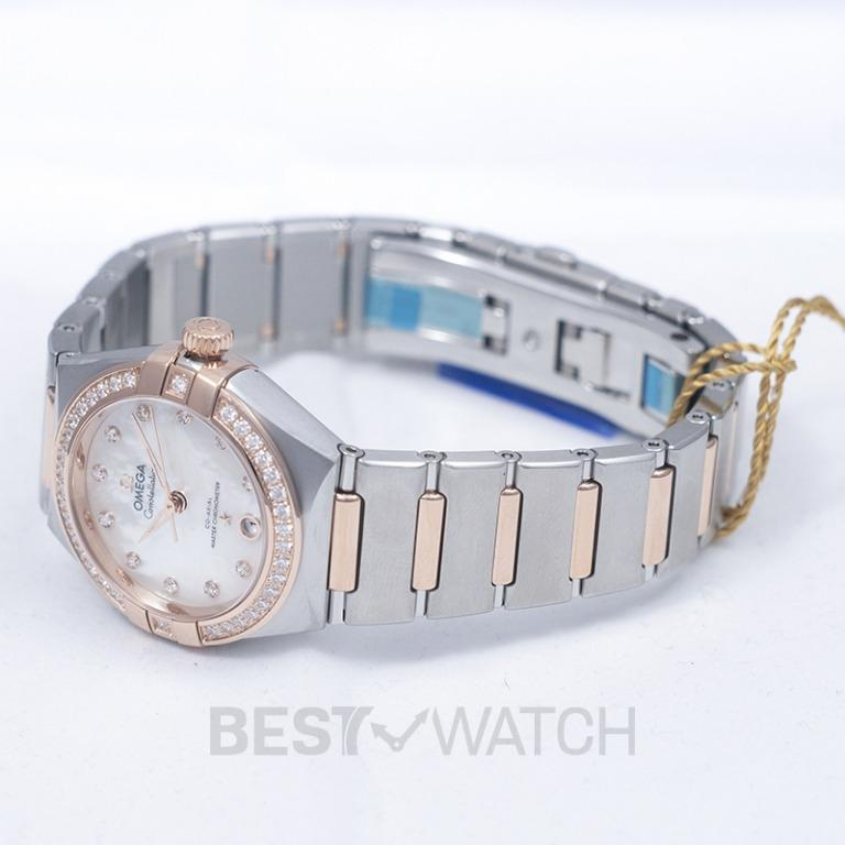 [NEW] Omega Constellation Manhattan Co-Axial Master Chronometer 29 mm Automatic White Mother Of Pearl Dial Diamonds Gold Ladies Watch 131.25.29.20.55.001