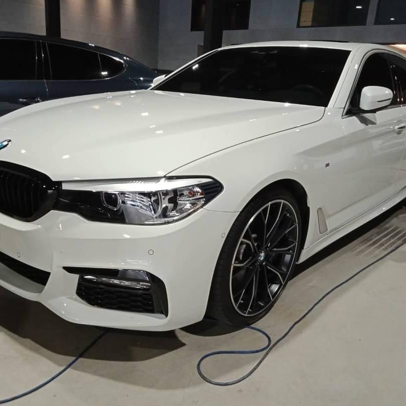 2017年 BMW 540i  M Sport 總代理