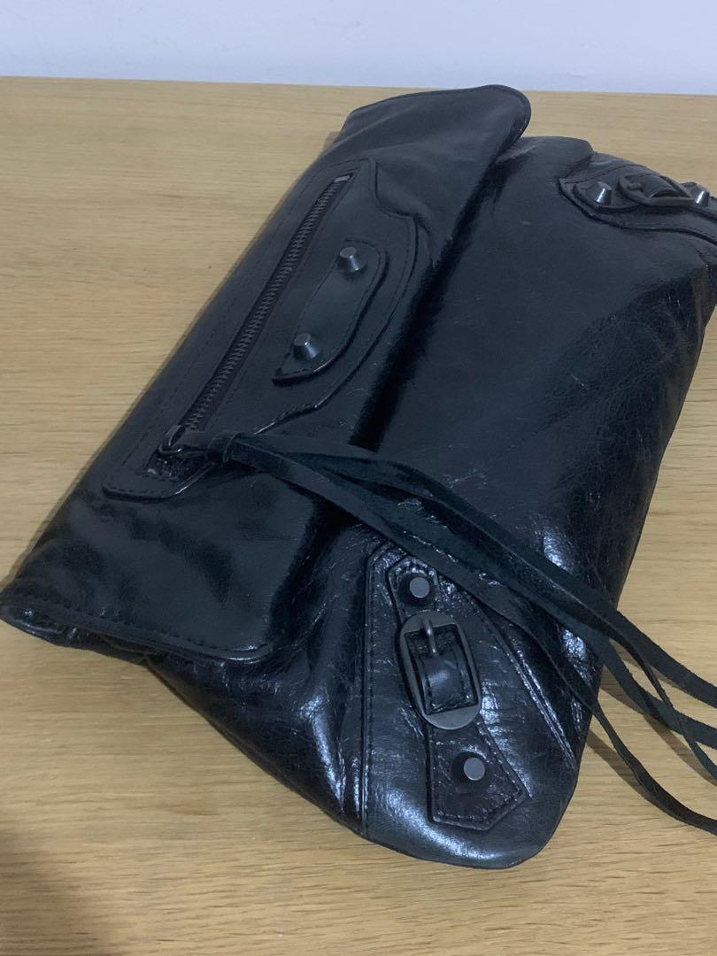 Balenciaga clutch vip mirror 1:1, kulit lembut lentur sangat mirip auth!!Size 30 x 19 cm! Bag only