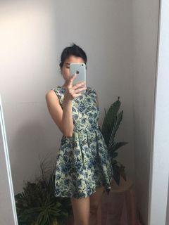 Reprice Cammomile Floral Short Dress, Bahan Tebal