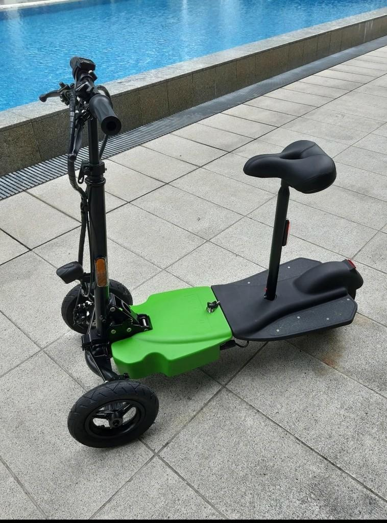 Sports wheelchair puller, 2 or 3 or 4 wheelers escooters for elderly and handicapped
