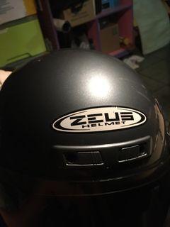 Zeus Helmet Gray 99% new