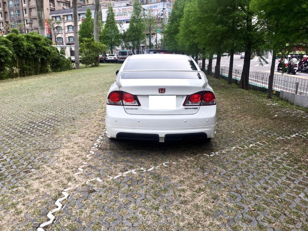 2010年 CIVIC 1.8 VTI-S 車美狀況佳👍👍 正港小改款 💯 黑內裝RR包 尾翼 下巴..... 還有安卓大螢幕 🖥🖥