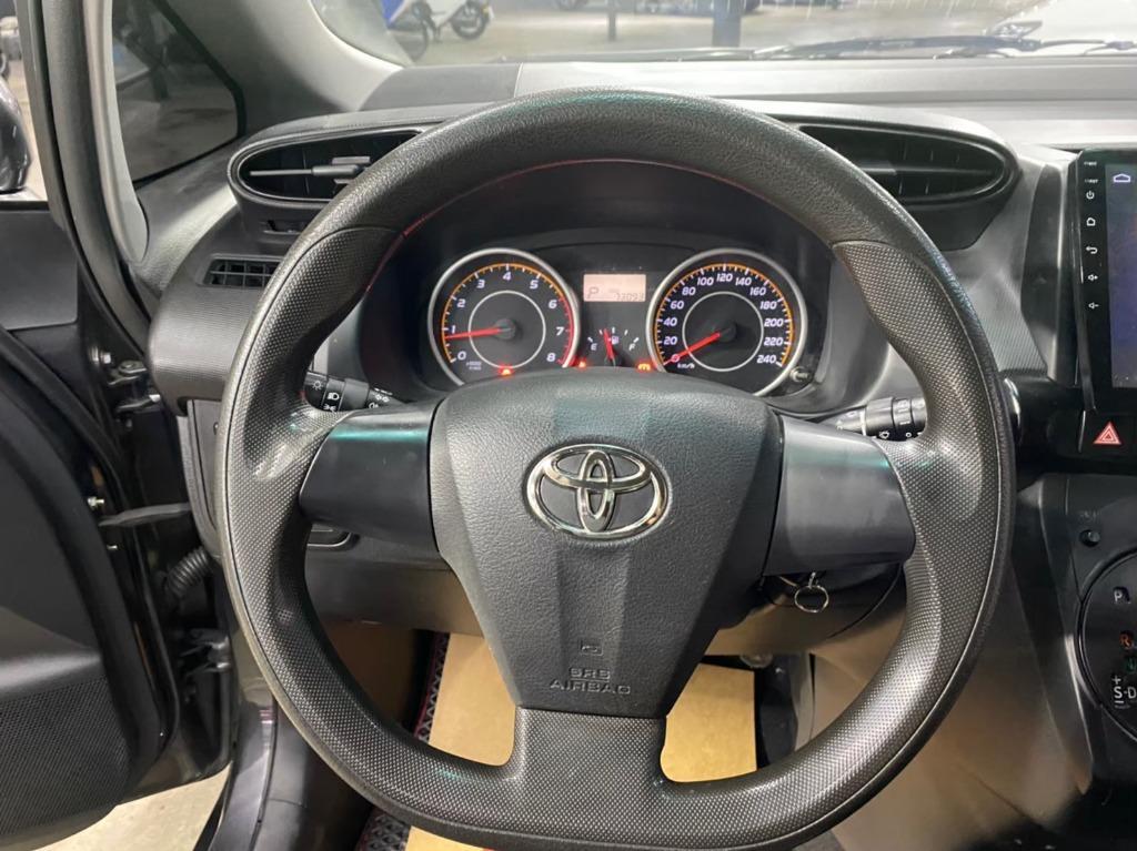 2012 Toyota Wish 2.0