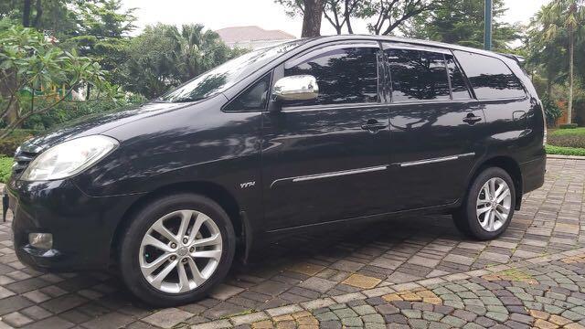 Toyota Kijang Innova 2.0 G AT Bensin 2010,Idola Keluarga Indonesia Selamanya
