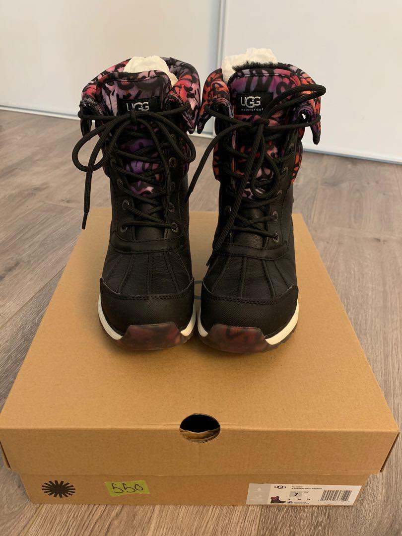 UGG Women's Boots ADIRONDACK BOOT III GRAFFITI Size 7