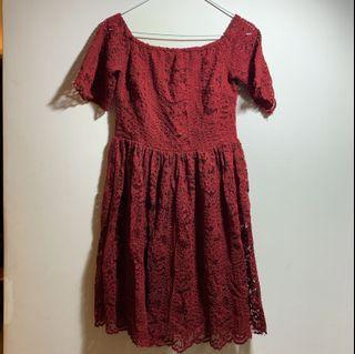酒紅蕾絲洋裝