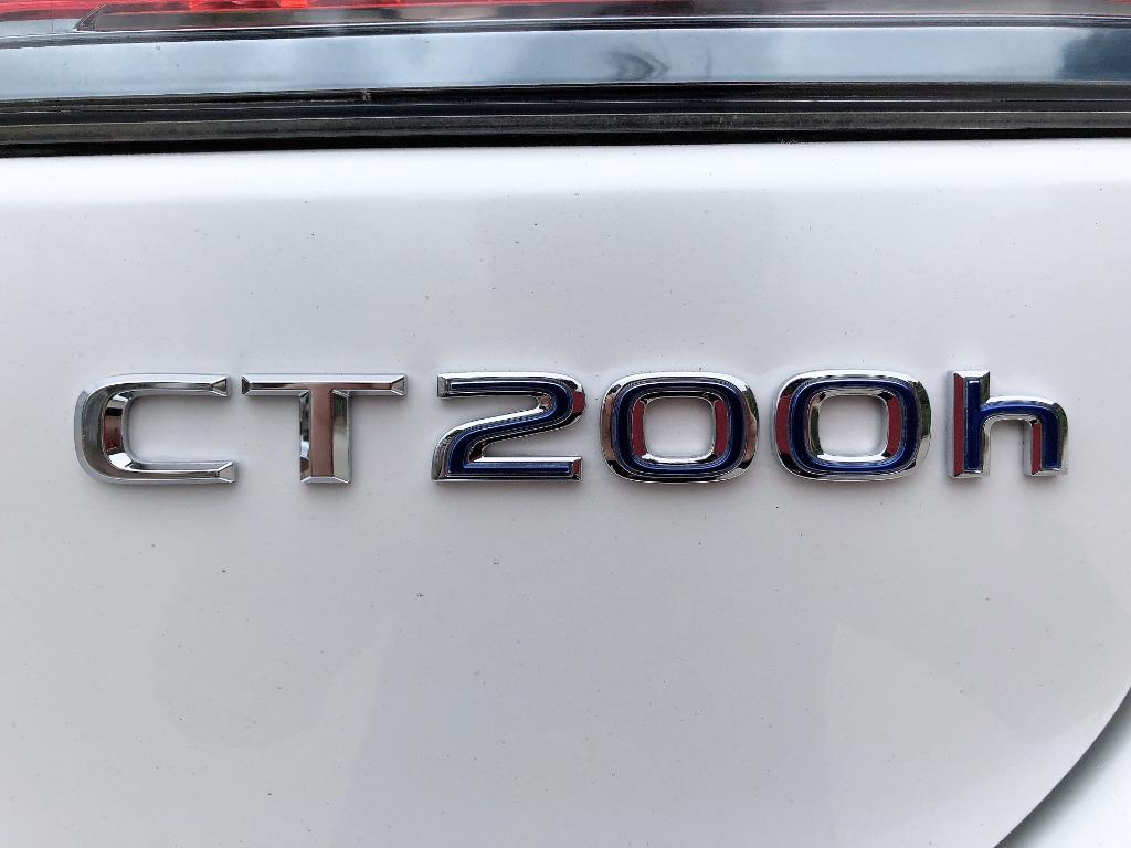 Lexus    CT200H ULTIMATE   2013 Auto