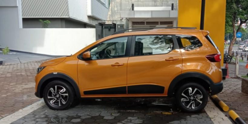 Renault Triber RXZ 1.0 MT Yellow Honey The 7 seaters