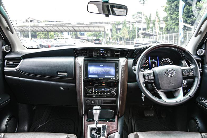 Toyota Fortuner VRZ 2.4 AT 2018 Bergaransi Bisa Kredit