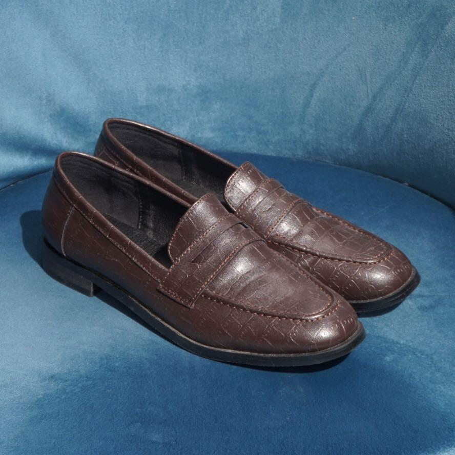 NWOB Faux Leather Loafer in Brown Croc Pattern 7.5