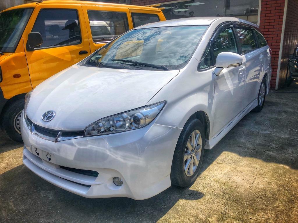 2012年 Toyota Wish 2.0 很帥的白