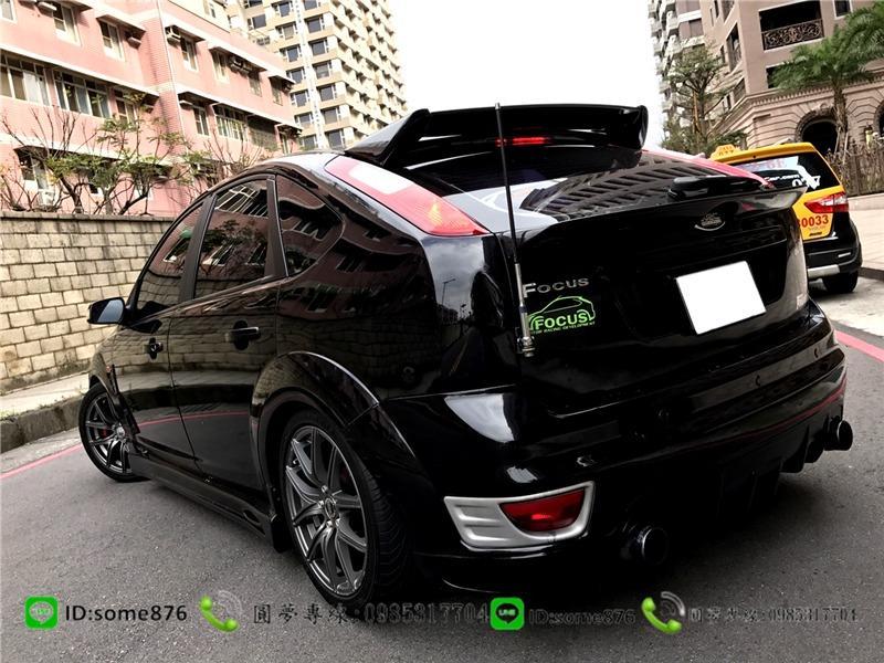 福特  FOCUS 1.8CC 黑色