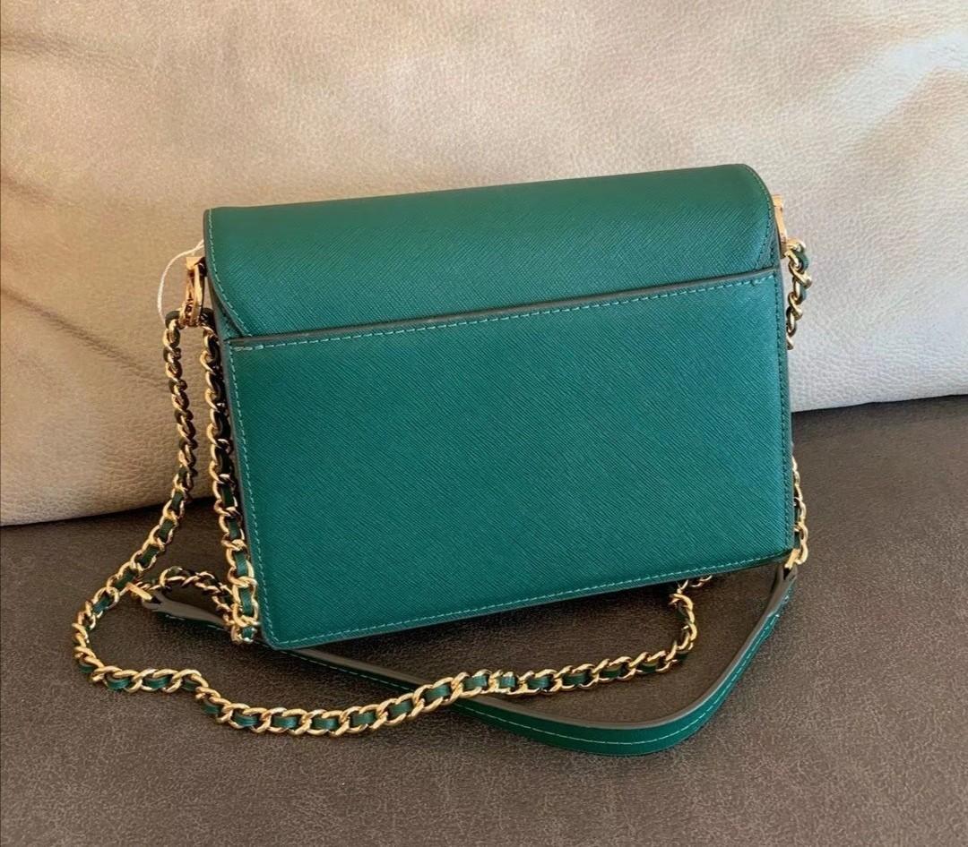 Authentic Tory Burch Robinson convertibles sling crossbody bag in green handbag