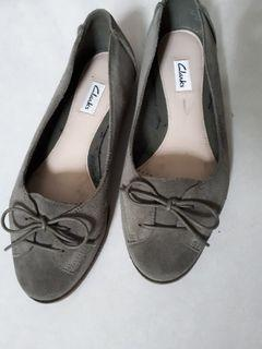 Clarks Suede Green Shoes/Flats #CarousellBelanja