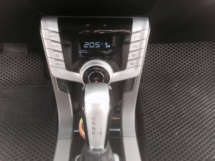 【FB搜尋桃園阿承】納智捷 超人氣S5跑6萬 2014年 1.8CC 白色 二手車 中古車
