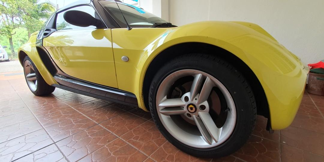 Perfect Condition 2005 Smart Roadster Shine Yellow 698cc 3-Cylinder Turbo Convertible