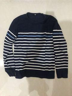 Uniqlo Baju Kaos Sweater Lengan Panjang Ukuran M