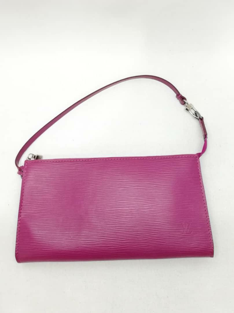 AUTHENTIC LOUIS VUITTON EPI LEATHER POCHETTE BAG - CLEAN INTERIOR - DATECODE INTACT - (LV NOW RETAILS OVER RM 3000+)