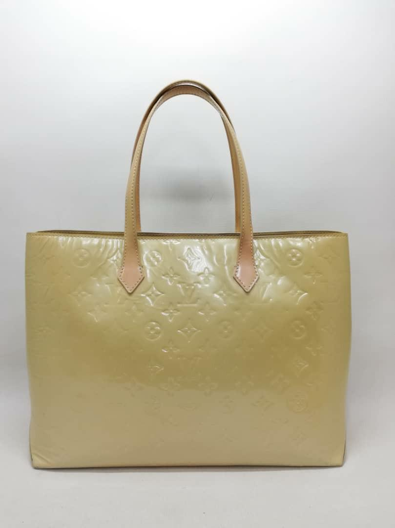 AUTHENTIC LOUIS VUITTON WILSHIRE MM - LV VERNIS PATENT LEATHER- CLEAN INTERIOR, OVERALL GOOD - (RETAILS AROUND RM 7000+)