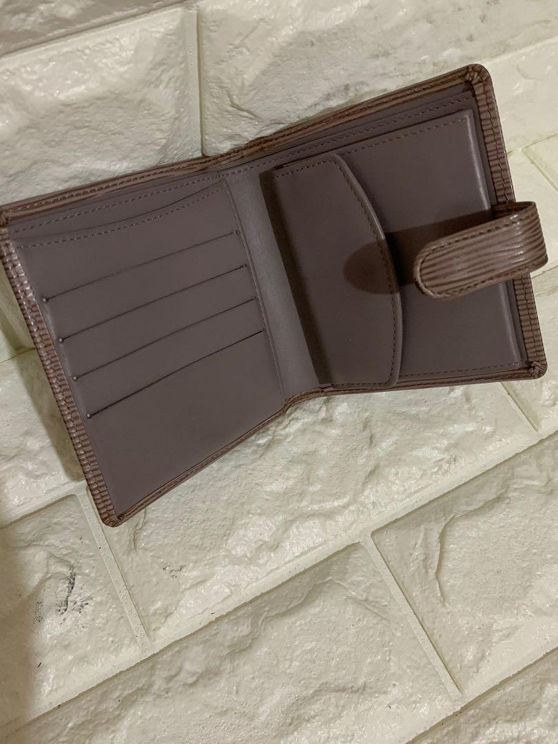 Dompet Louis Vuitton epi leather, authentic, MI 1012, kondisi 90% OK, size 12 x 11 ( terlipat ) wallet with DB, Serius no php!