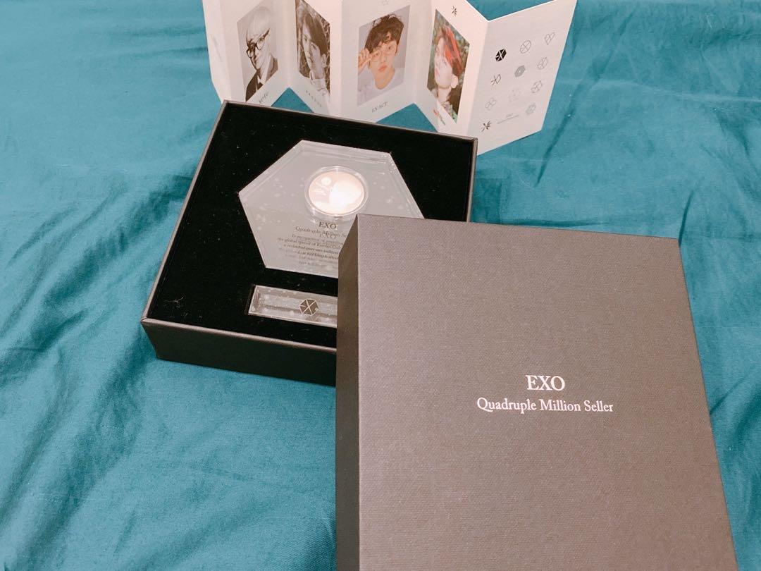 EXO Baekhyun Quadruple Million Seller Medal (Standard)