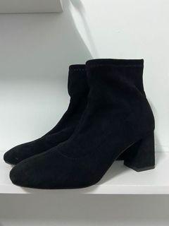 韓國 黑色短靴