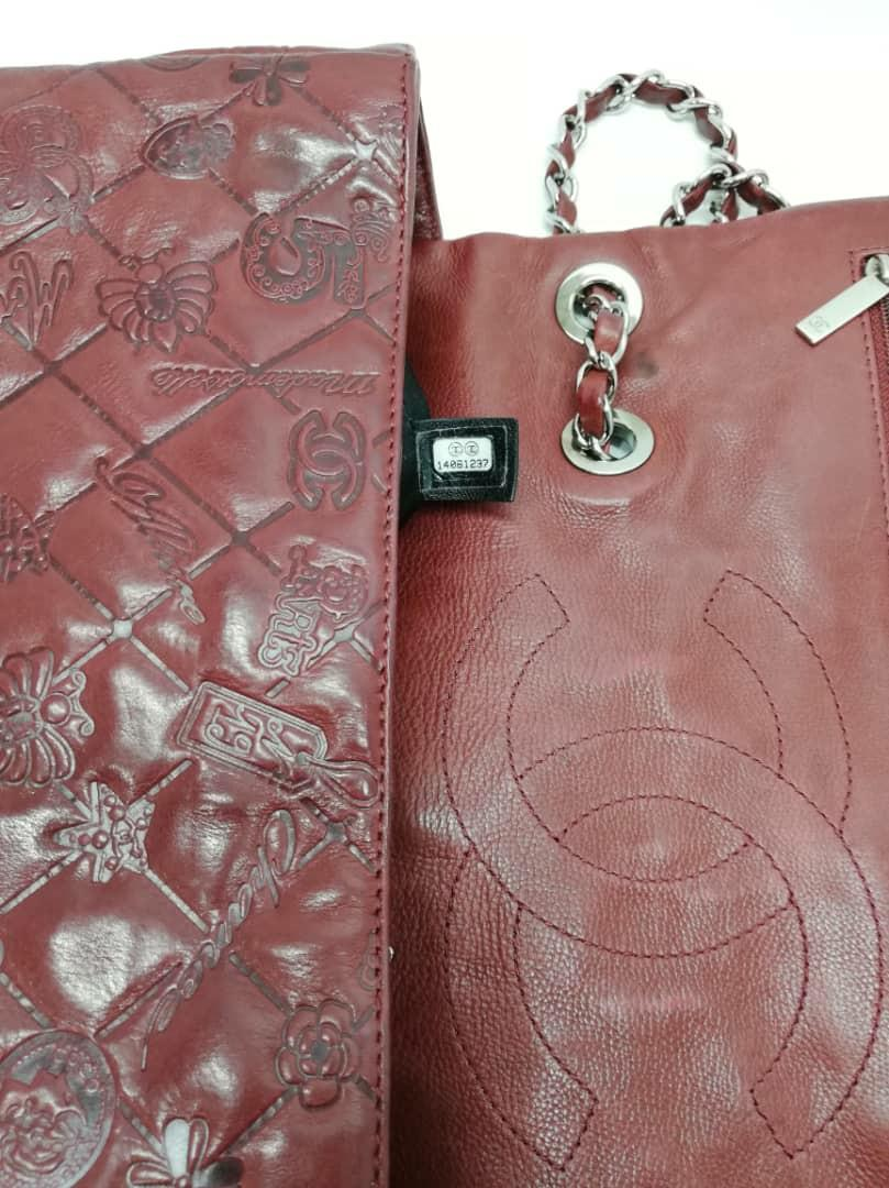 RARE ITEM ! - AUTHENTIC CHANEL LUCKY CHARMS JUMBO, LEATHER FLAP BAG - SILVER HARDWARE - HOLOGRAM STICKER  INTACT - CLEAN INTERIOR , GOOD CONDITION - RARE LIMITED EDITION DESIGN - (CHANEL JUMBO FLAPS NOW RETAIL ARD RM 27,000+)