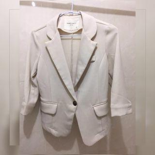 米白色五分袖西裝外套#2020年中慶