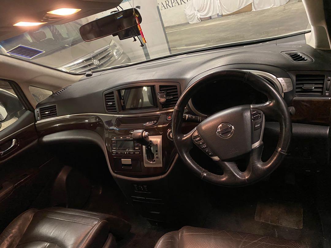 Nissan Elgrand Highway star 3.5 Auto