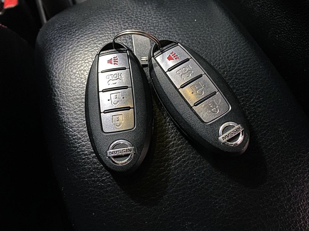 正2015年 Nissan SuperSentra 1.8 頂級免鑰匙豪華大螢幕版 雲河灰色