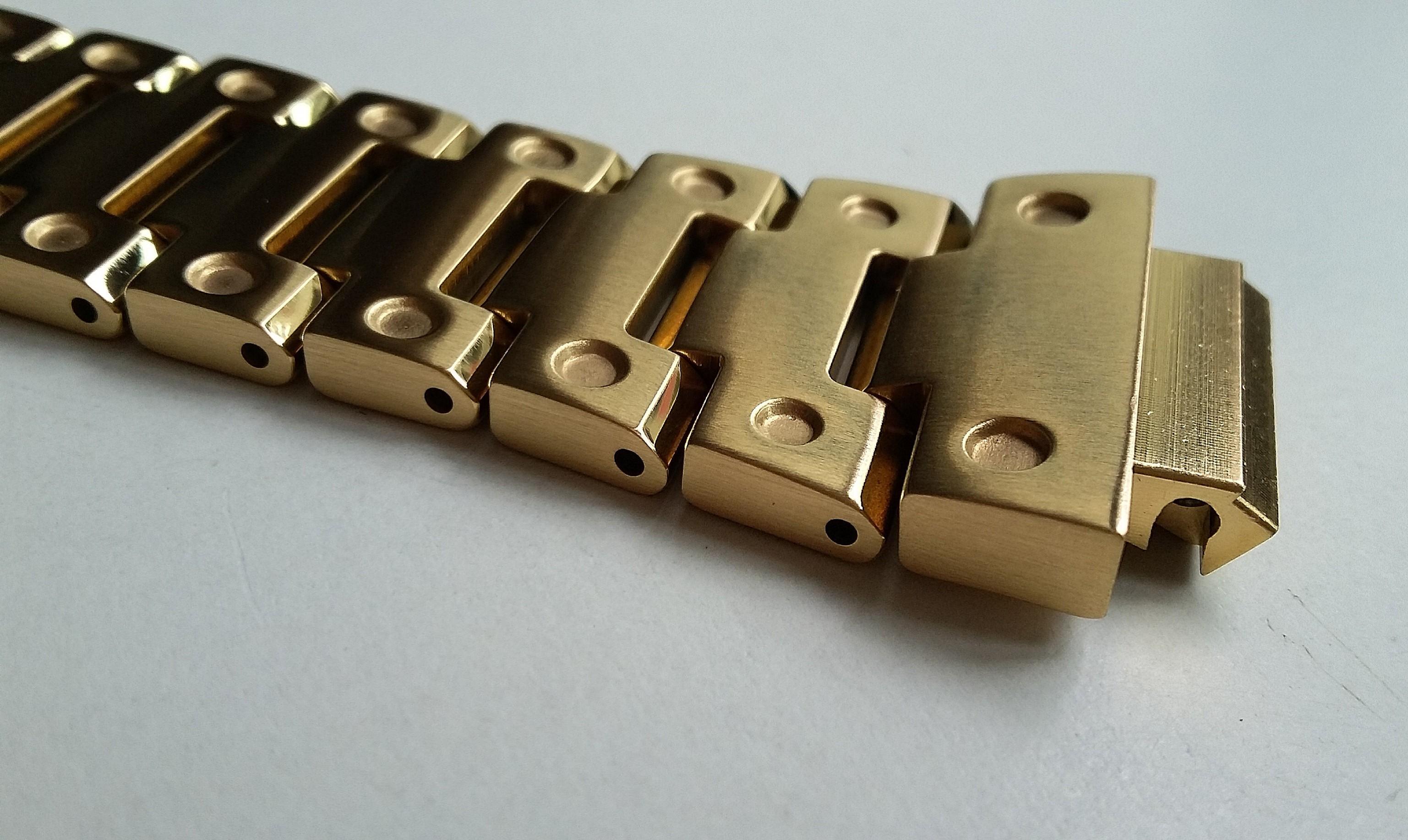 GOLD PLATED 316L STAINLESS STEEL BEZEL CASE AND BRACELET FOR CASIO G-SHOCK DW5610, G 5600E, GW-M5610, GW-M5600, GLX-5600, GLS-5600, GW-M5630, GW-S5600, DW-D5600(PRICE INCLUDE M0DIFICATION)
