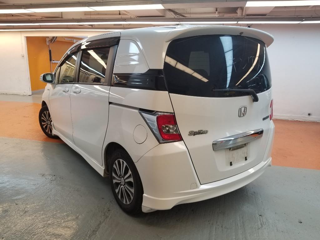 Honda Freed Spike HYBRID Auto