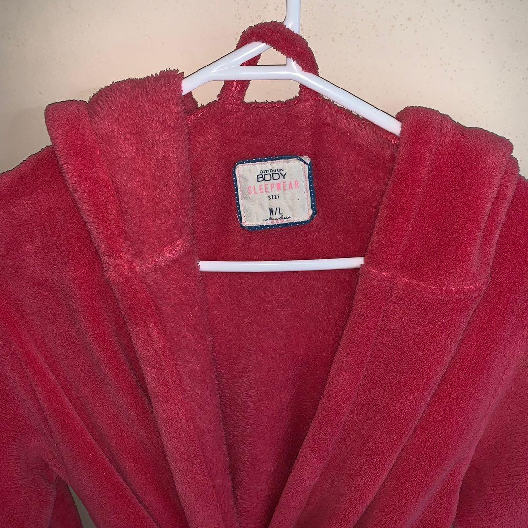 Size M/L fluffy pink robe