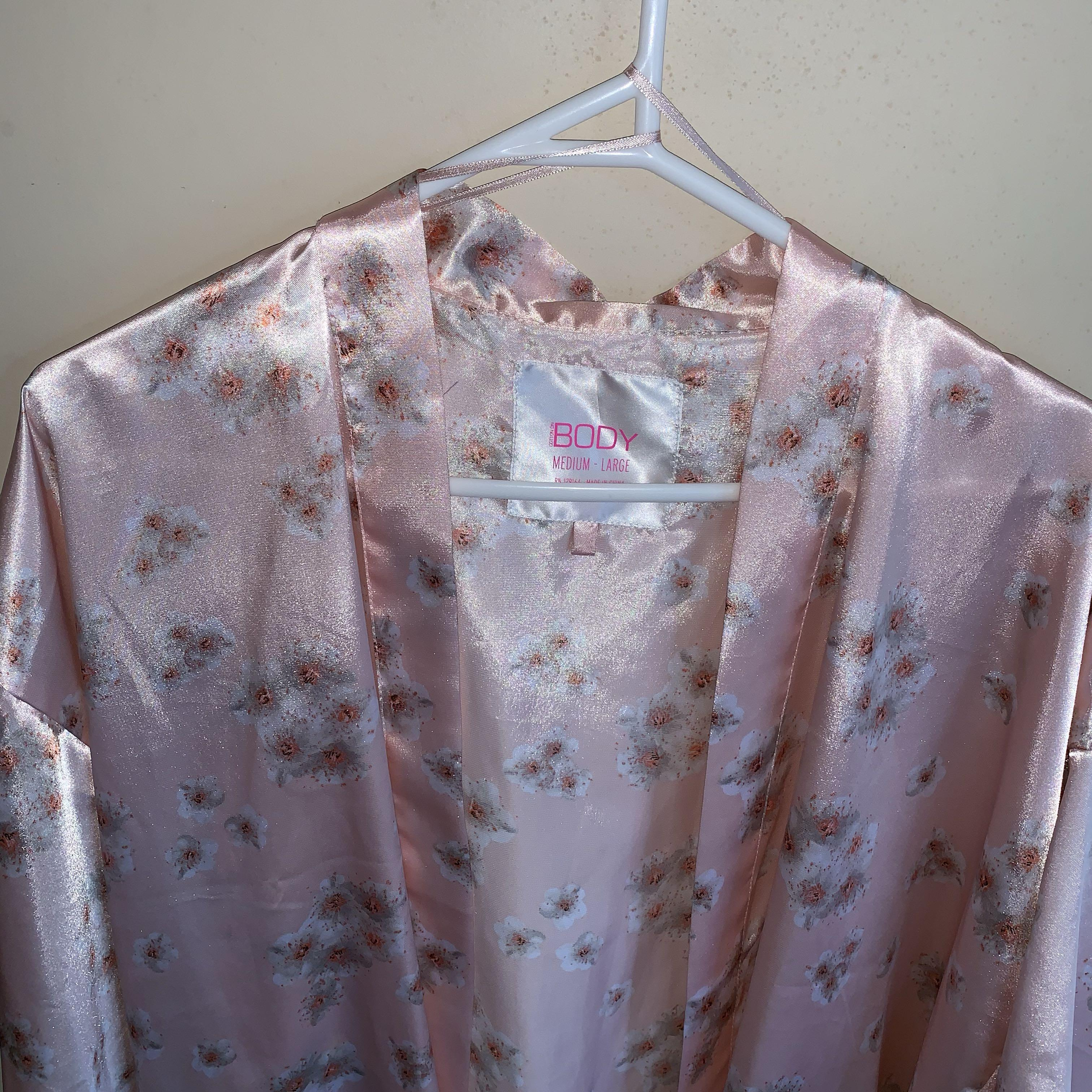 Size M/L pink silky robe