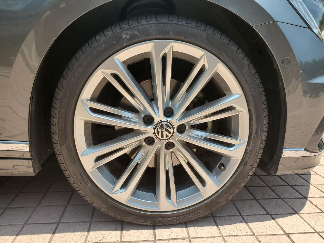 Volkswagen Passat 1.8 TSI R-LINE Auto