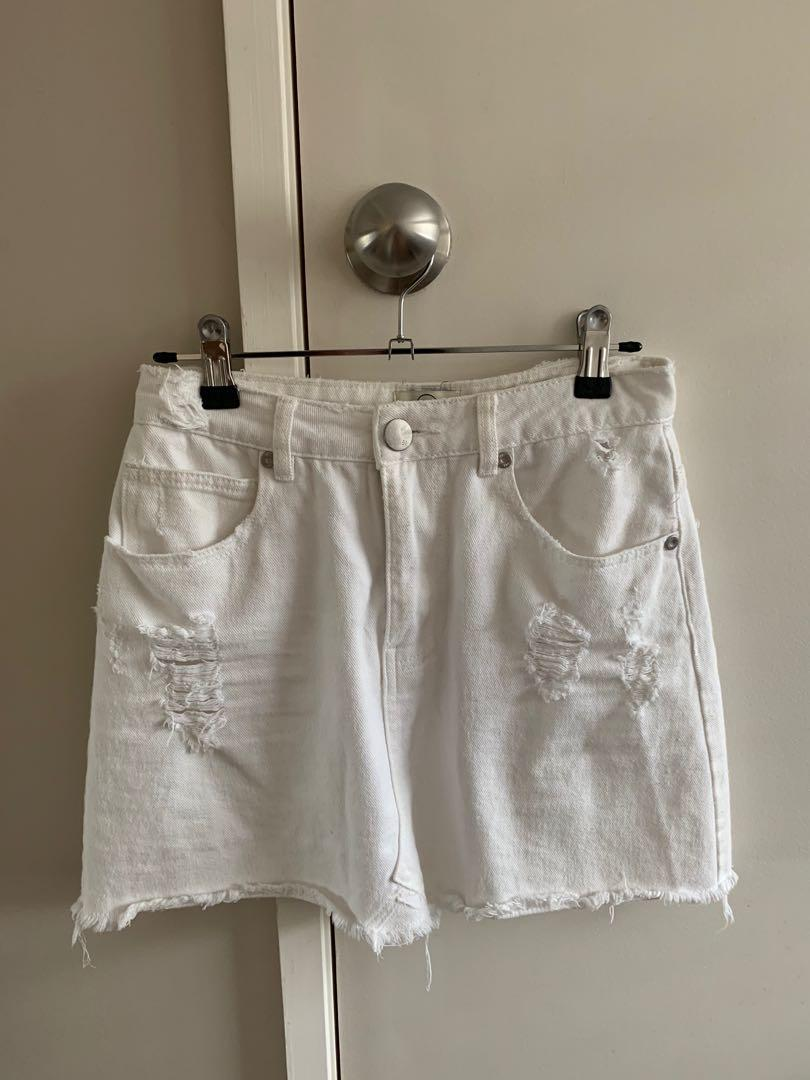 White denim skirt