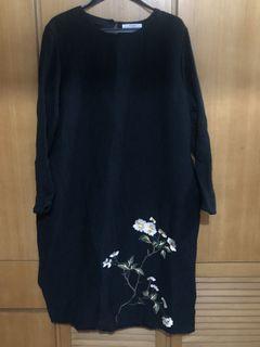 #buyoldstyle❇️✳️♻️二手韓國黑色繡花長䄂雙暗袋長裙
