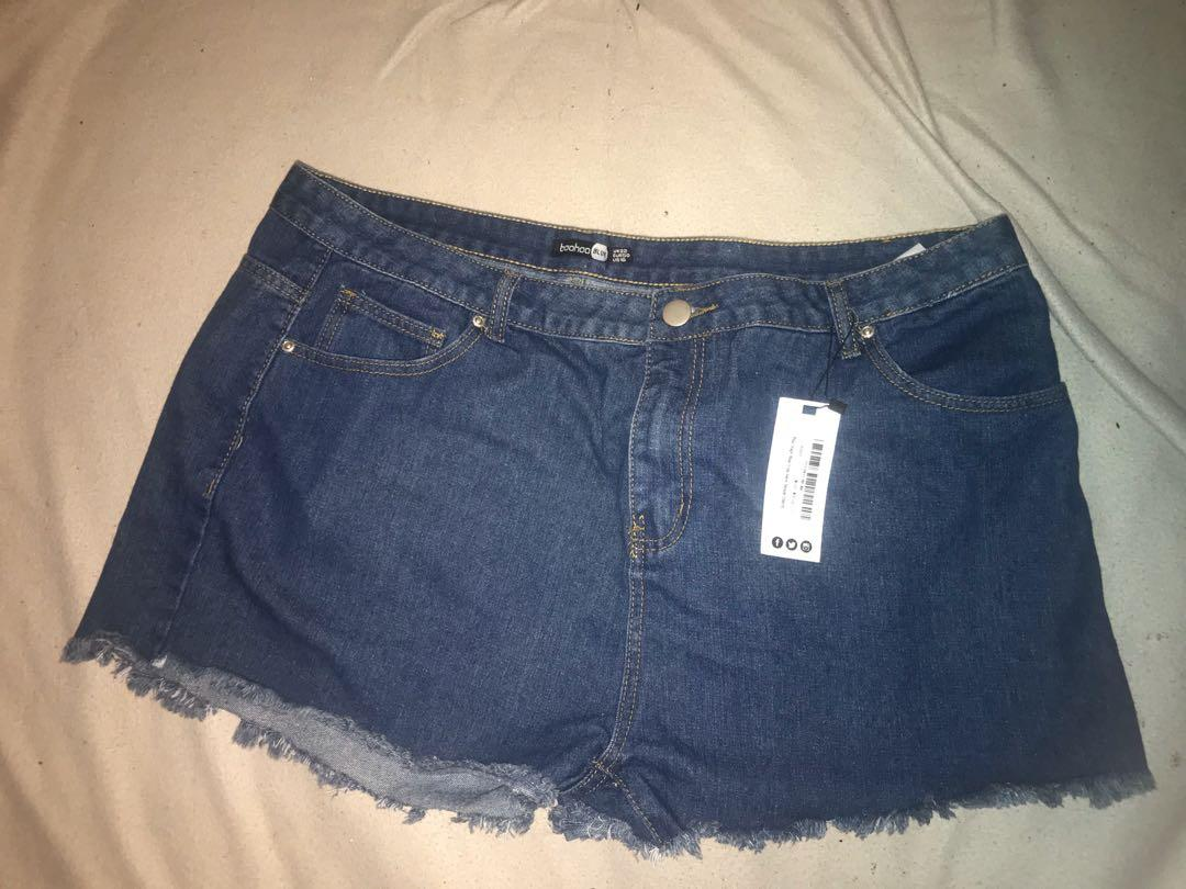 Boohoo plus size high rise denim shorts