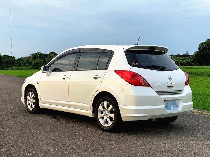 2007 Nissan Tiida 1.8 白 配合全額貸、找 錢超額貸 FB搜尋 : 『阿文の圓夢車坊』
